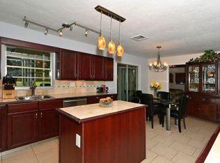 3548 Oak Grove Dr Sarasota FL 34243