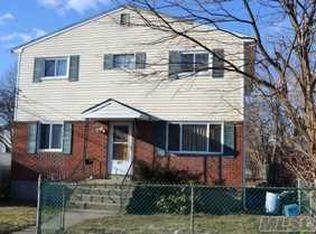 221 Amherst St , Hempstead NY