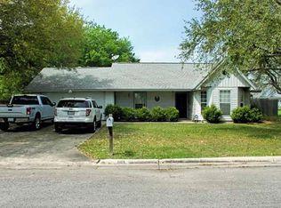 1305 Dove Ln , Lockhart TX