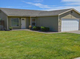 6701 Crestfields Rd , Yakima WA