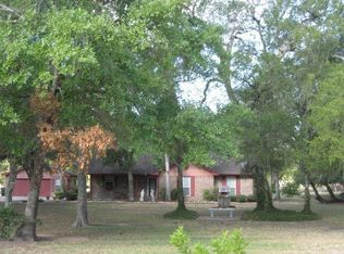 1125 Austin Dr , West Columbia TX