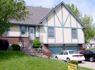 465 NW Weschester Ct , Blue Springs MO
