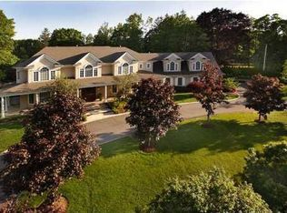 7 N Rohallion Dr , Rumson NJ