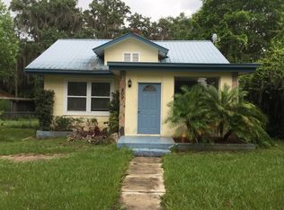 409 W Central Ave , Howey In the Hills FL