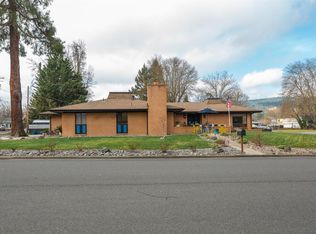 11 Rachel Dr, Central Point, OR 97502 | Zillow on