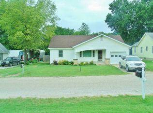 115 S Greenwood St , Eureka KS