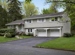 18 Ridge Rd , Cresskill NJ