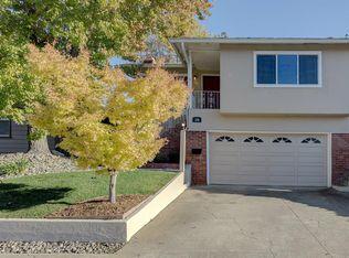 166 Oakview Dr , San Carlos CA