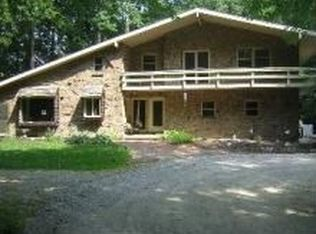 5435 Brown Rd , Oregon OH