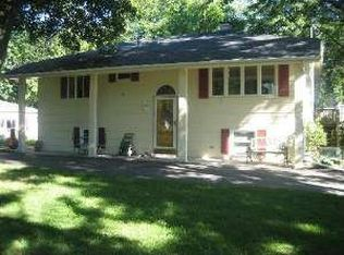 7634 Virginia Ct , Willowbrook IL