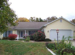 305 Gainesborough Ct , Monticello IL