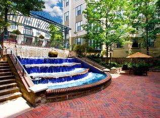 North Carolina · Charlotte · 28202 · Fourth Ward; Post Uptown Place