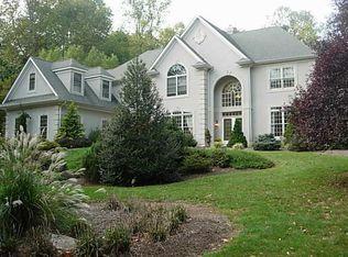 5520 Pin Oak Dr , Doylestown PA