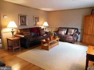 908 Hickory Ct, Martinsburg, WV 25401 | Zillow