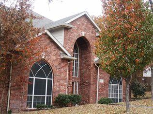 805 Red Oak Ct , Crowley TX