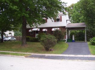 136 Avondale Rd , Norristown PA