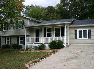 2665 Oak Log Way , Buford GA