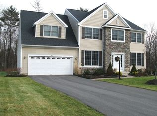 44 Sterling Heights Dr , Clifton Park NY