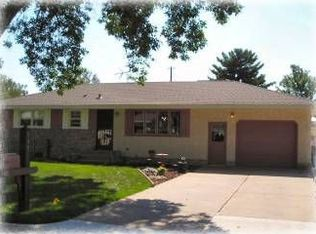 549 8th St NW , Elk River MN