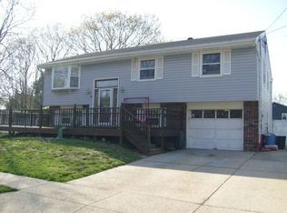 4 Edgewood Dr , Somers Point NJ