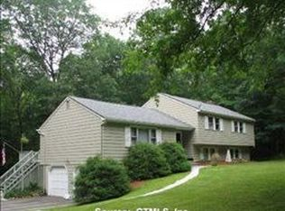 315 Foxwood Rd , Guilford CT