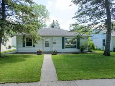 1533 5th St N, Fargo, ND 58102   Zillow