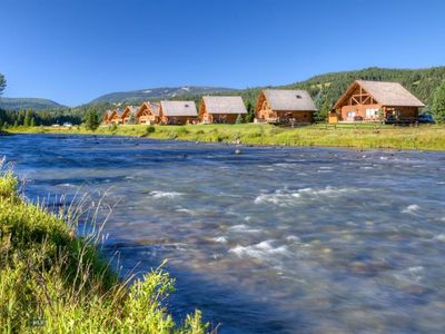Ranch Homes That Evoke Classic Country Style Westerndecorlivingroom Ranch House Decor Ranch House Ranch Style Homes
