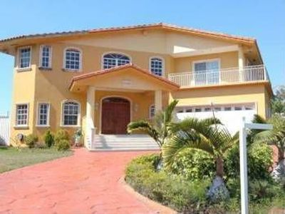 10485 Nw 130th St Hialeah Gardens Fl 33018 Zillow