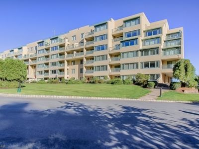 1000-3000 Gates Ct Morris Plains, NJ, 07950 - Apartments ...
