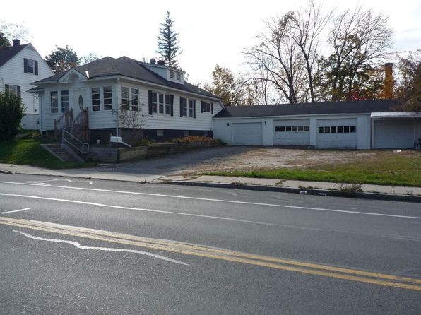 3 bed 1 bath Single Family at 1321 North St Pittsfield, MA, 01201 is for sale at 163k - 1 of 16