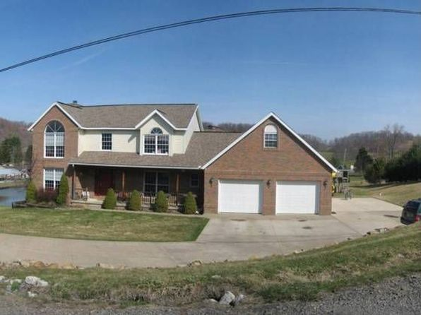 5 bed 3.5 bath Single Family at 2107 Golfview Dr NE New Philadelphia, OH, 44663 is for sale at 255k - 1 of 8