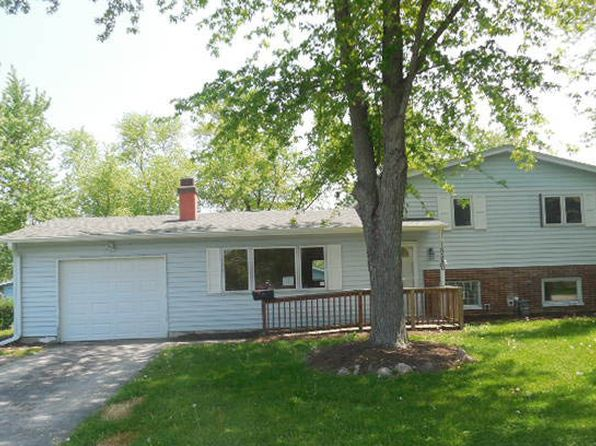 18541 w woodland ter gurnee il 60031 zillow for 23 woodlands terrace