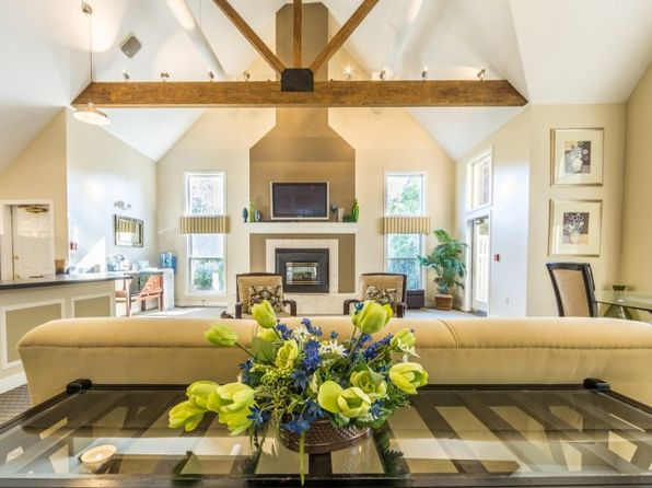 37 Speare Rd, Hudson, NH 03051 | Zillow