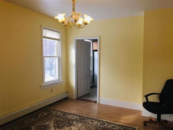 1502 division st amsterdam ny 12010 zillow rh zillow com