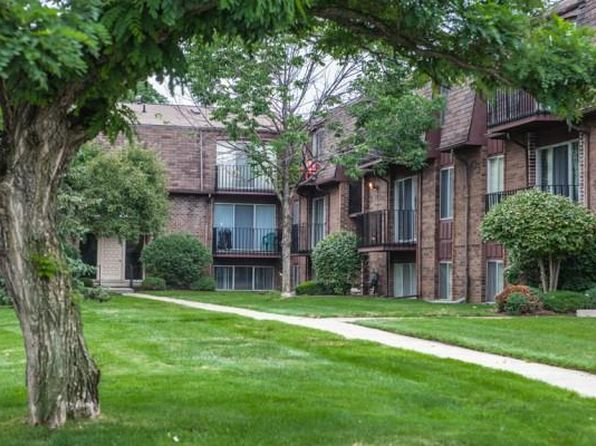 East Lake Apartments St Clair Shores
