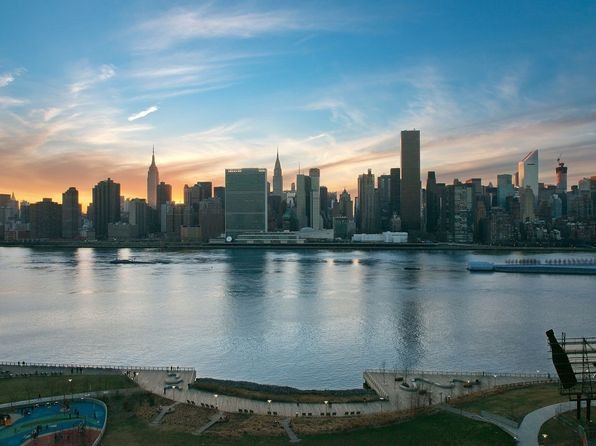Fully equipped stainless hunters point real estate for Zillow long island city
