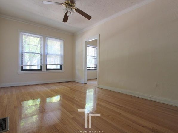 Awesome Apartments For Rent In Lake View Chicago Zillow Complete Home Design Collection Barbaintelli Responsecom