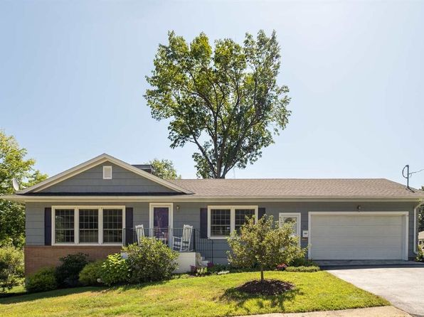 40 Dion Ave, Kittery, ME 03904 | Zillow Ranch House Floor Plans Dion S on