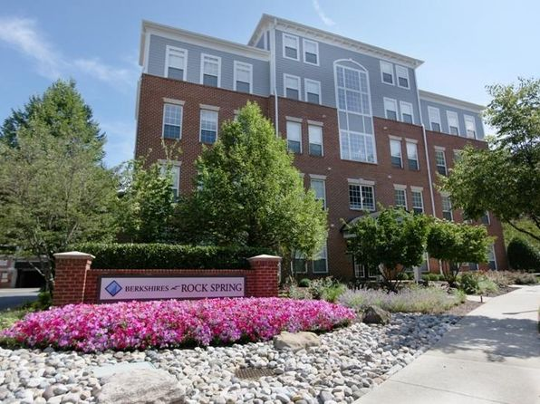 Rental listings in north bethesda md 115 rentals zillow for 12401 village square terrace north bethesda md 20852