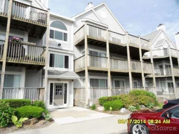 2 bed 2 bath Condo at 37512 Jefferson Ave Harrison Township, MI, 48045 is for sale at 155k - 1 of 29