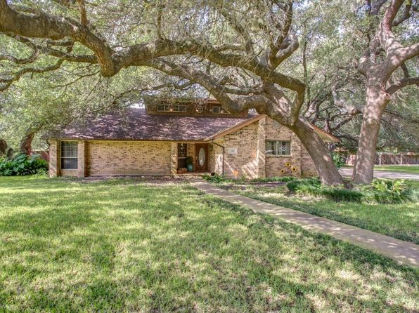 5 bed 3 bath Single Family at 1311 Kollman Dr Hondo, TX, 78861 is for sale at 279k - 1 of 40