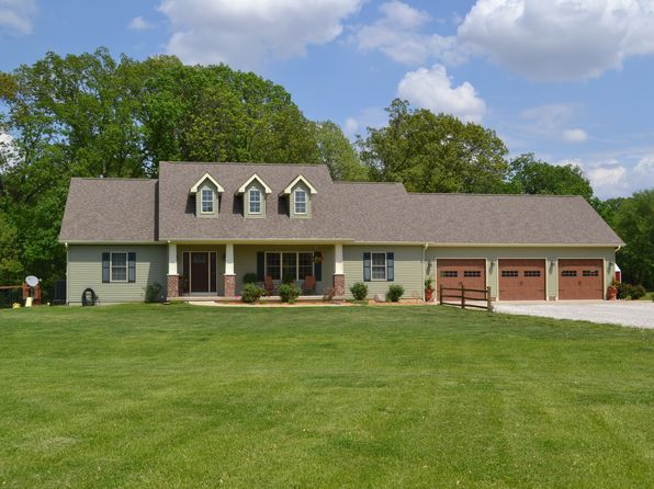 5 bed 3 bath Single Family at 16148 Carlinville Lake Rd Carlinville, IL, 62626 is for sale at 325k - 1 of 18