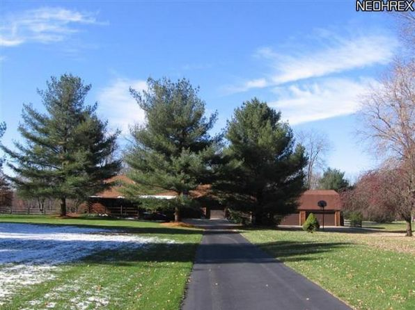 3 bed 3 bath Single Family at 8190 Cleveland Massillon Rd Clinton, OH, 44216 is for sale at 310k - 1 of 56