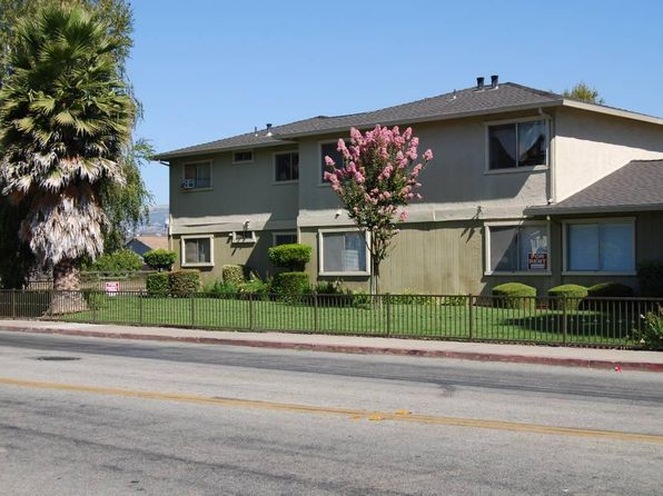 APT 1 BR Merrill Gardens at Gilroy Senior Living in Gilroy CA