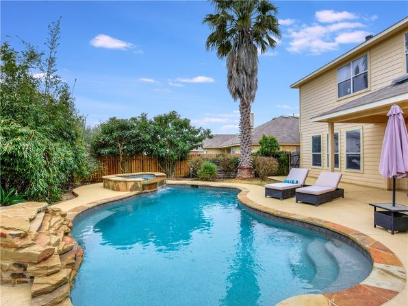Swimming Pool Austin Real Estate Austin Tx Homes For Sale Zillow