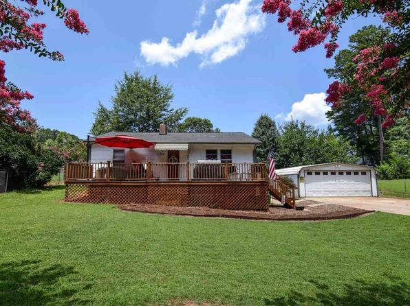 2 bed 2 bath Single Family at 208 Holleman St Seneca, SC, 29678 is for sale at 87k - 1 of 25