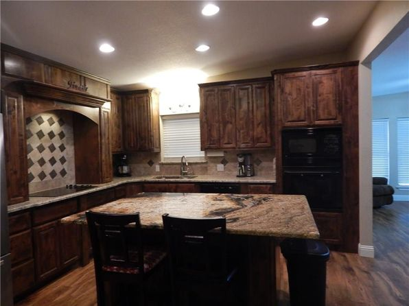 4 bed 2 bath Single Family at 5313 Stephanie Dr Fort Worth, TX, 76117 is for sale at 175k - 1 of 28