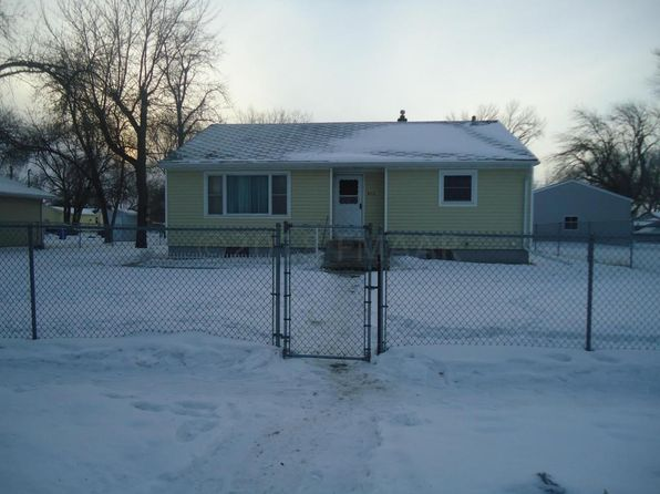 3 bed 2 bath Single Family at 910 27th St N Fargo, ND, 58102 is for sale at 175k - 1 of 17