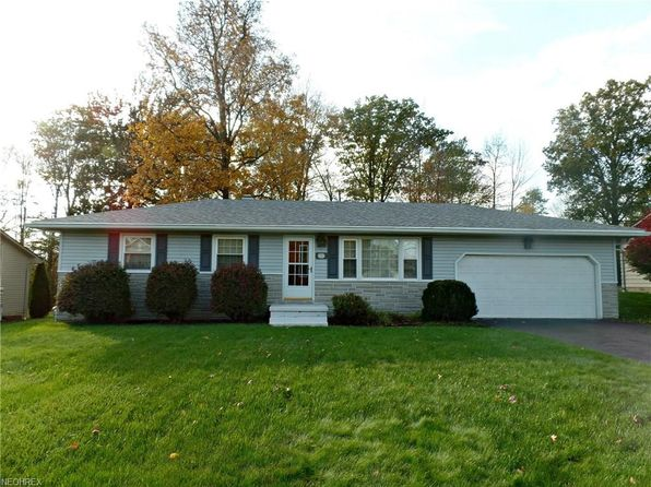 3 bed 2 bath Single Family at 3536 Darbyshire Dr Canfield, OH, 44406 is for sale at 110k - 1 of 27