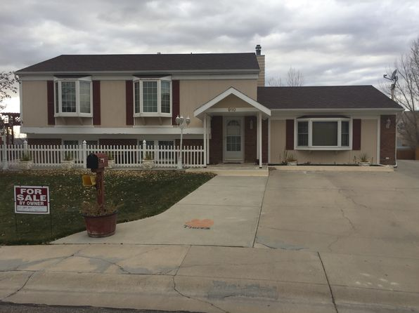 3 bed 2 bath Single Family at 910 Windriver Dr Rock Springs, WY, 82901 is for sale at 255k - 1 of 29